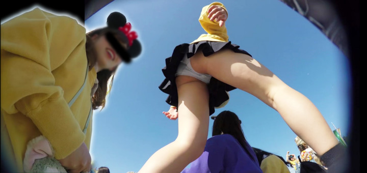 【Pcolle】【HD顔出しJK008】夢の国でアイドル系JK!集合写真撮りましょうか?同業者も狙うスカートの中身。【Torishi】