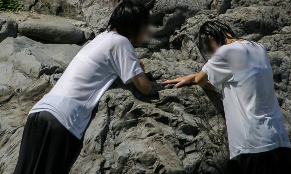 【Pcolle】WET写真集 C004 服のまま川遊び【濡人】